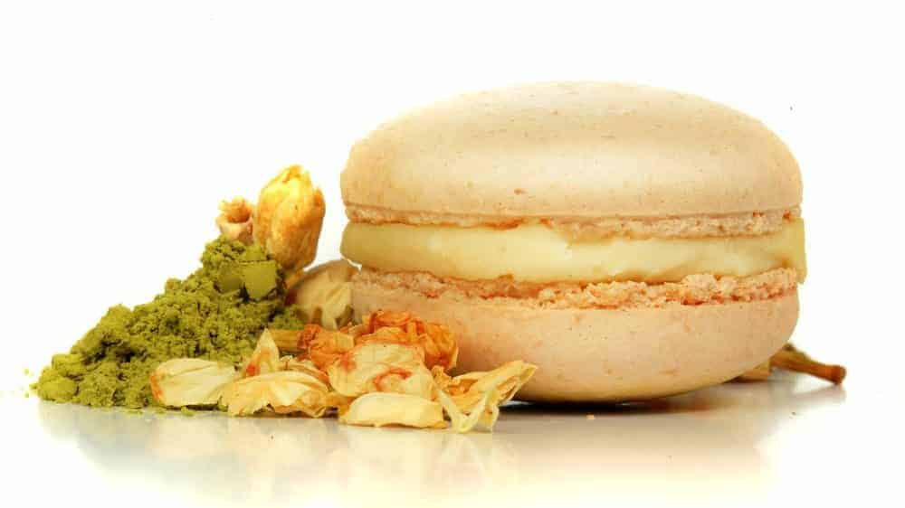 image of a macaron made with meringue